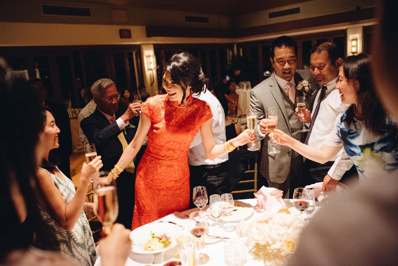 halekulani-hau-terrace-wedding-photographs-63
